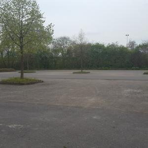großer Parkplatz Reithalle
